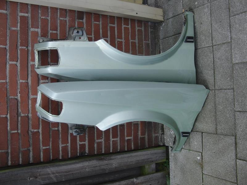 Austin Maestro front wings, left and right - used