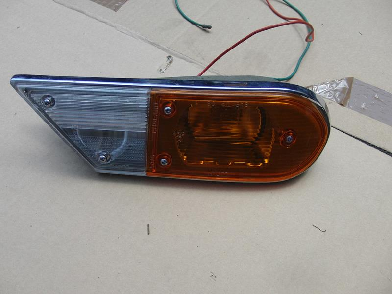 Austin 1800 MK2 front indicator light RH