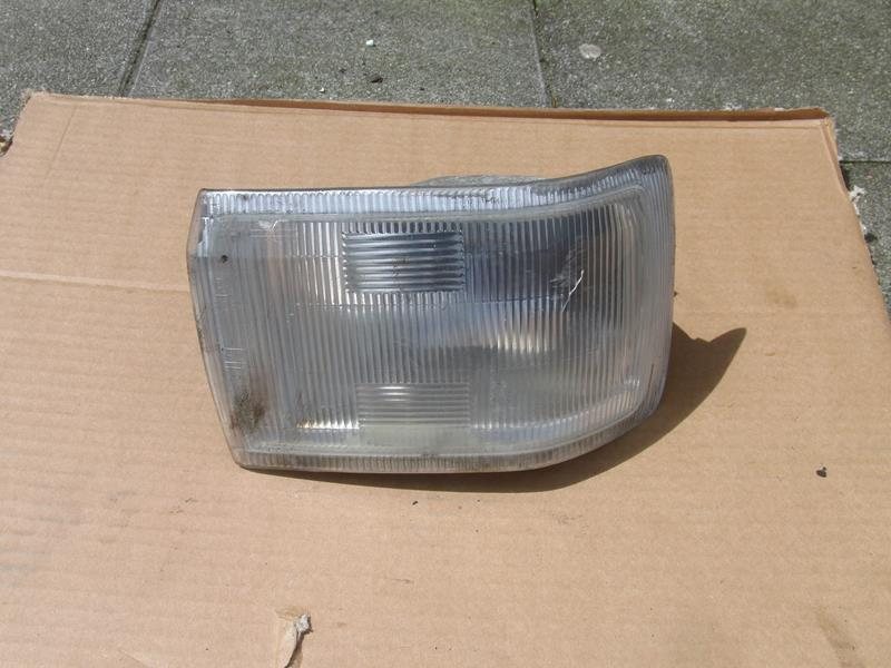 Austin Maestro front indicator light RH (used)